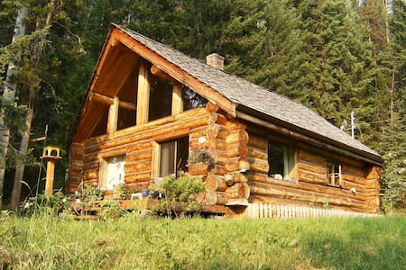 Cariboo Log Home Vacation Rental