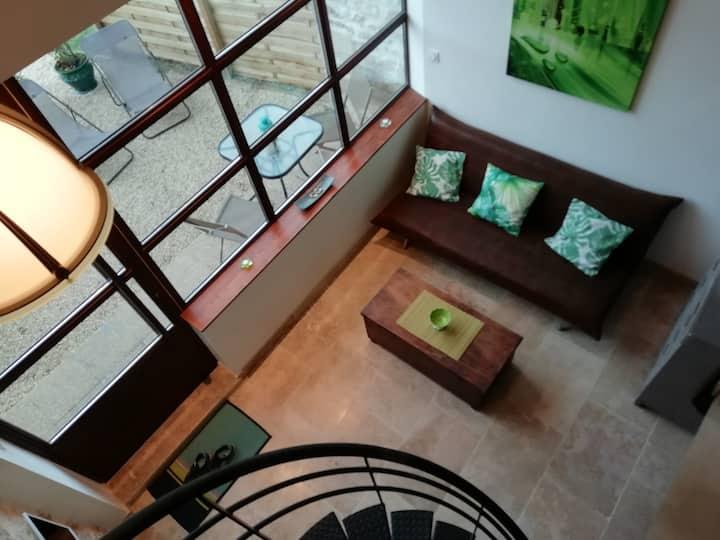 Loft en Drome provençale avec terrasse et piscine