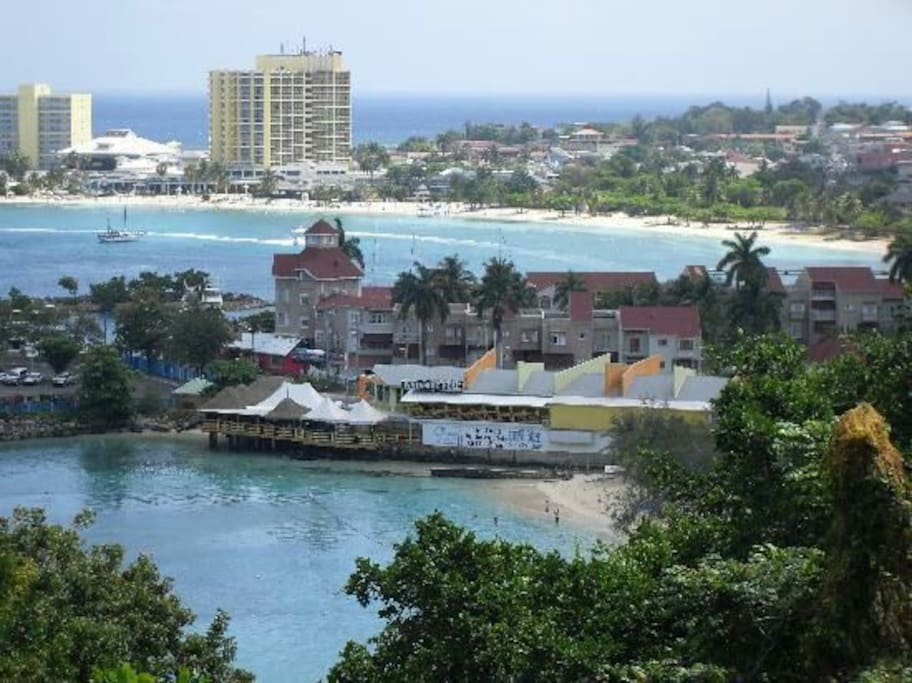 Sceanic view of Ocho Rios town and pier.