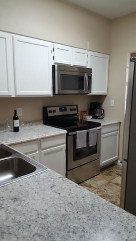 COZY CONDO NEAR AIRPORT - San Antonio - Flat