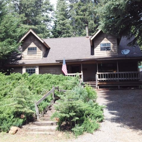 Comfortable family home at Chester/Lake Almanor
