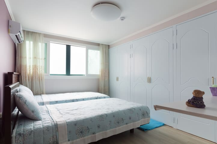 For your travel, sunny guest house. - 부산시 해운대구  - Ev
