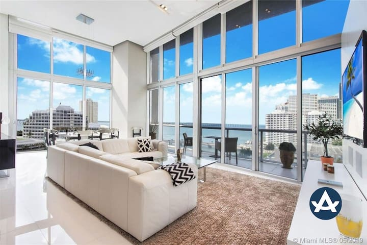 Sextant |Brickell Ave Condo | 3 Bedroom on Brickell Ave | 10 mins to South Beach