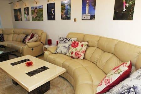 The Gallery Suite in lovely Gweek Cornwall - Gweek - Bed & Breakfast