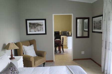 5 on Second, Beachfront Cottage, PE - Port Elizabeth