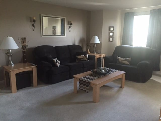 Furnished private bed/bath in townhome - Harrisburg