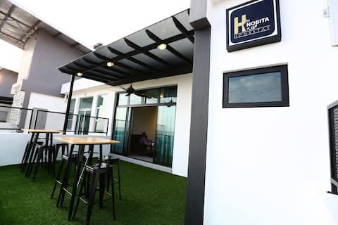 H BY NOBITA HOMESTAY- BALCONY