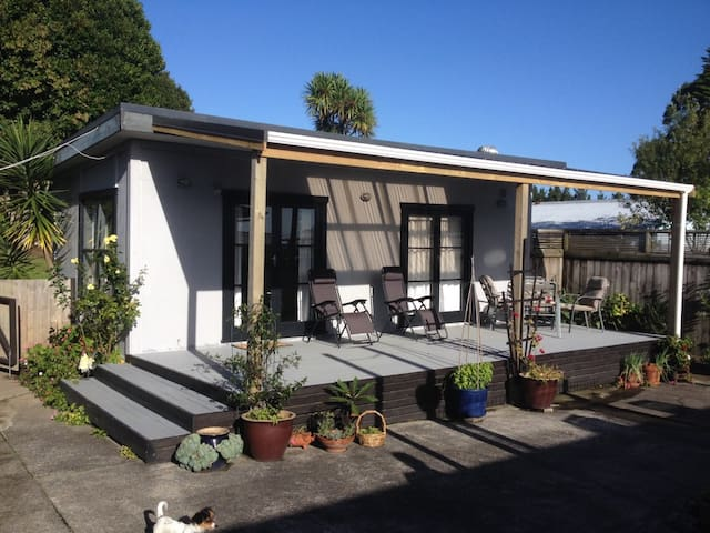Helensville Guest House - Helensville - Guesthouse