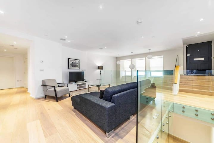 Open plan-Luxury duplex apartment