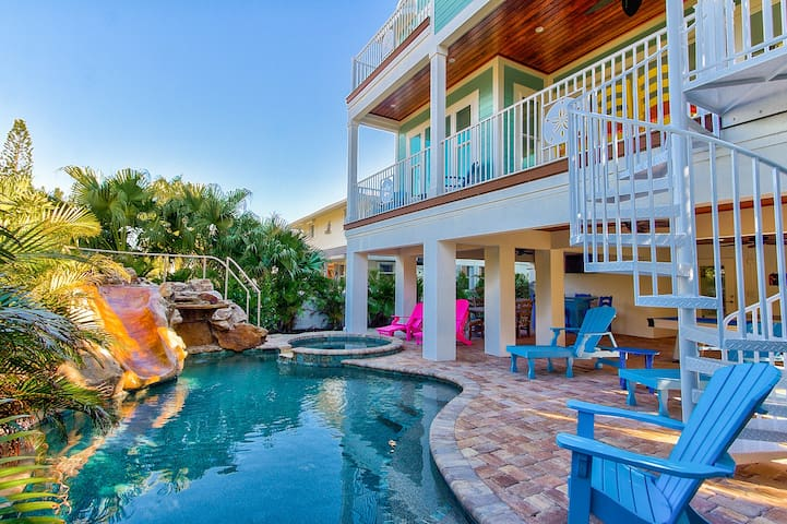 Family Fun Close to Beach, Pool Slide Spa & Elevator