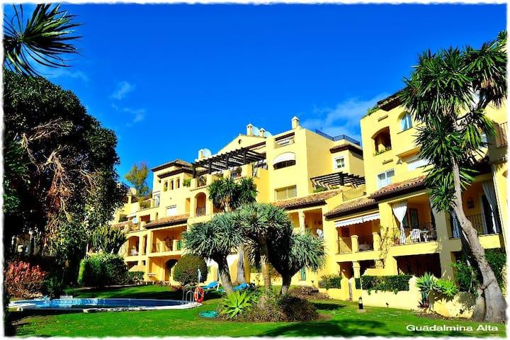 Guadalmina, habitacion con baño inc - Marbella - Apto. en complejo residencial