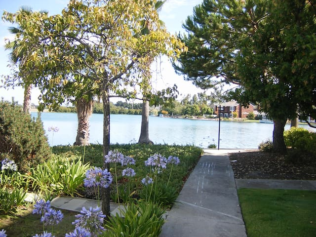 Ground Floor Bedroom w/Lagoon View - Foster City - Departamento