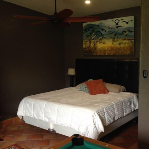 Silver Peak Casita - Birds & Herps - PORTAL - Apartment