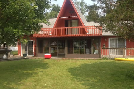 Unique Home at Coldwater Lake - Coldwater - Haus