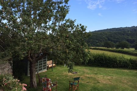 Family Home in Charming Devon Village - Dunsford