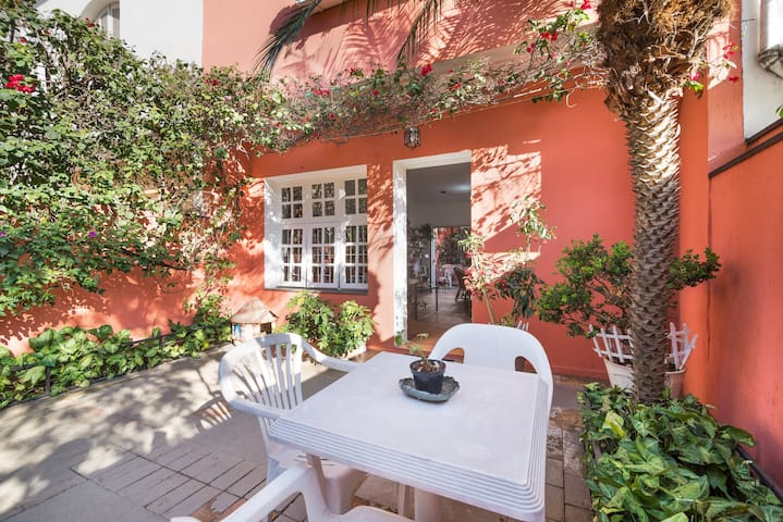 Charmosa Casa de Vila em Pinheiros