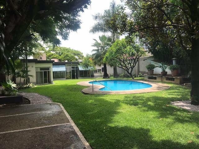 Casa de la Tibu. Acogedora y súper ubicación