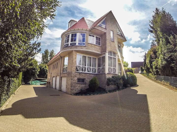 Superb villa close to Brussels Centre