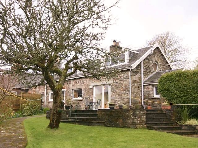 Stables Cottage-luxury, stone built - Tarbert, Argyll