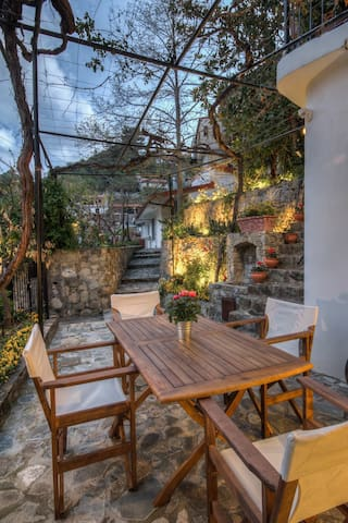 Luxury Garden Villa/Fully Equipped - Kalopanayiotis - Ev