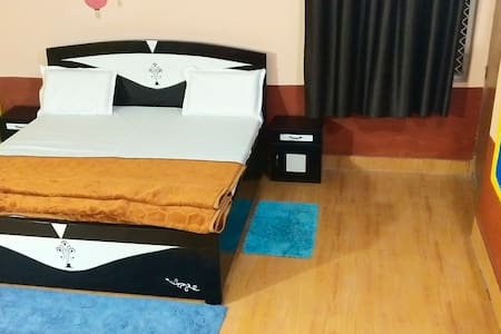 Kishan Home Stay Deluxe suite