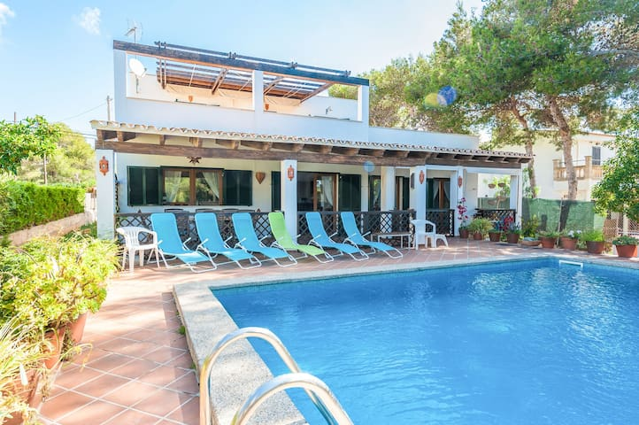 CAN PUNXA - Villa for 8 people in Cala Pi.