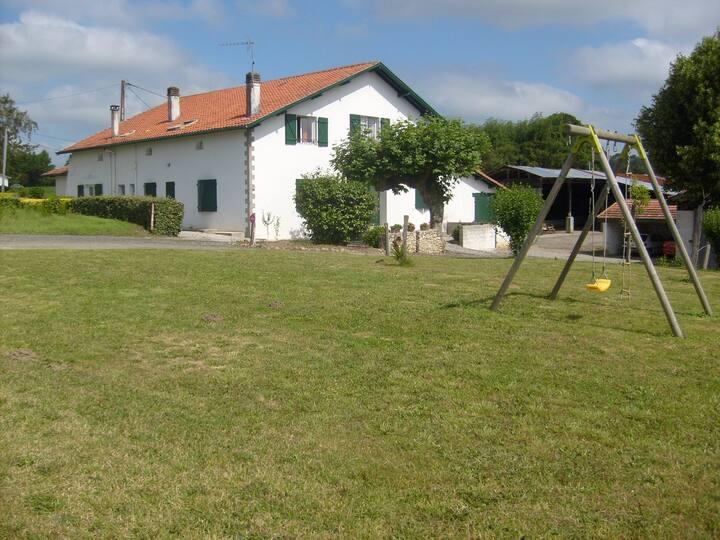 Maison spatieuse à la campagne