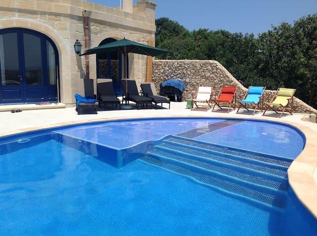 Luxurious farmhouse with pool in Xaghra, Gozo - Xaghra - Villa