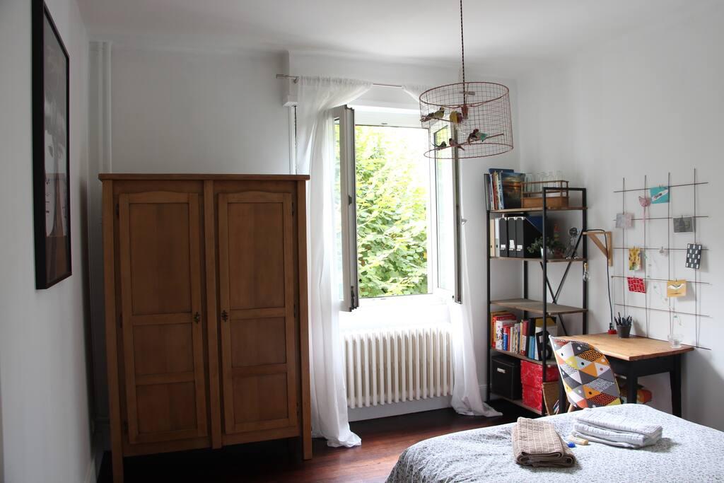 La chambre, vue d'ensemble
