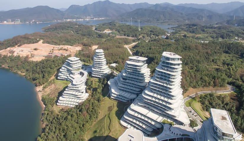 """""""山的样子""""太平湖国际度假公寓(第一线湖景/亲子)"""