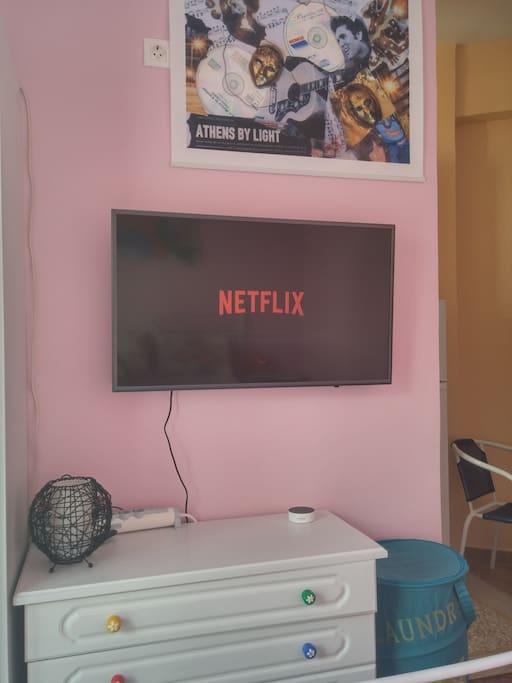 40 inch full hd smart tv with Netflix premium