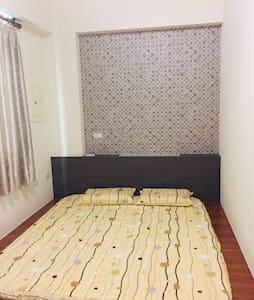 澎湖白沙鄉民宿《來一客》加大地板床墊雙人房