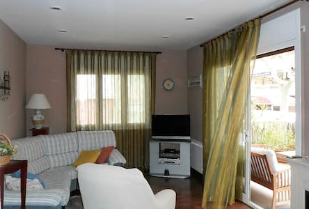 Family and quiet,  100 m from Beach - Salou