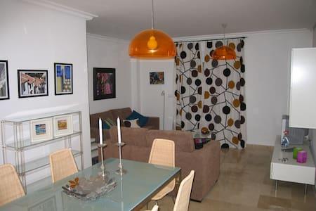 Apartamento 3d amueblado y equipado - Jimena de la Frontera - Appartement
