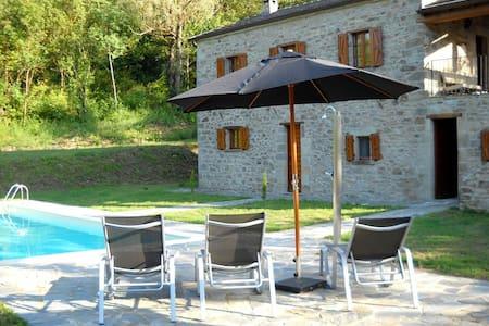 Casa la Brugna landhuis met zwembad - Baselica