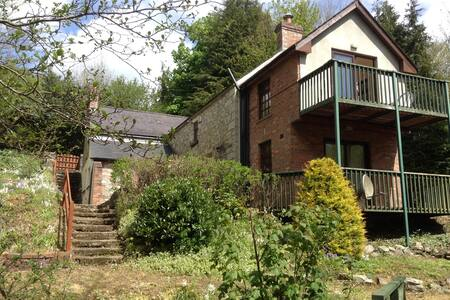 Charming Country Home on River Bank - Ballinaclash  - House