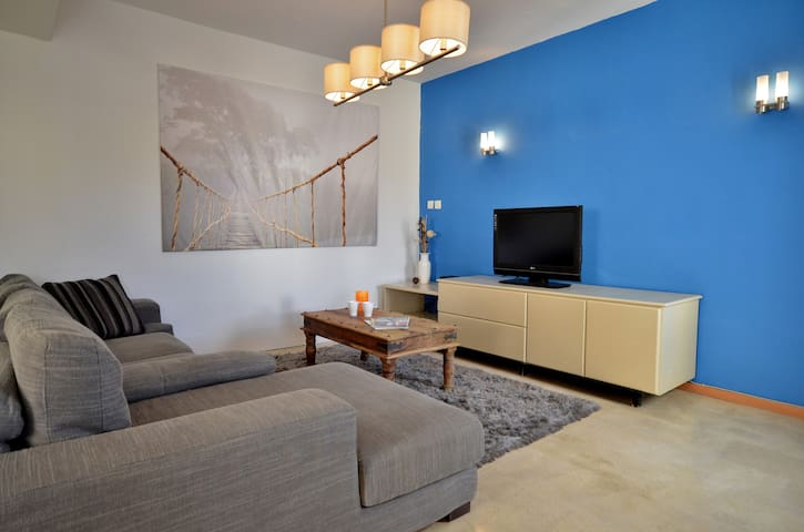 Torri Katur Apartment 3 Room 5, Shared Common areas