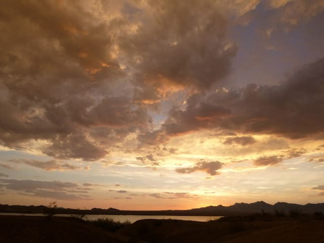 Sunset in Lake Havasu