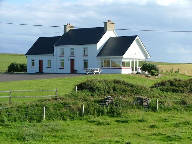 Remote Cottage with Super Sea Views - County Donegal - Cabana