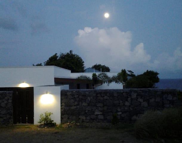 Tatou House by night