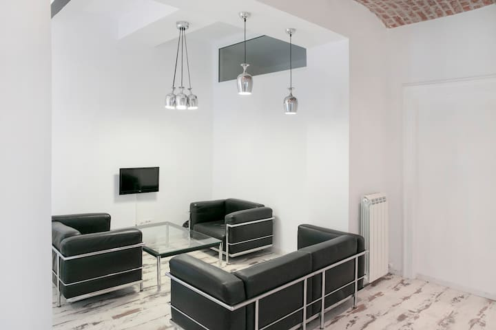 Urban, stylish, Milos the Great II - Beograd - Apartamento