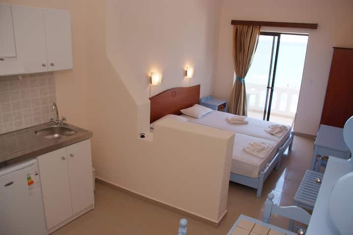 Budget Studio - Mandy suites at the seafront