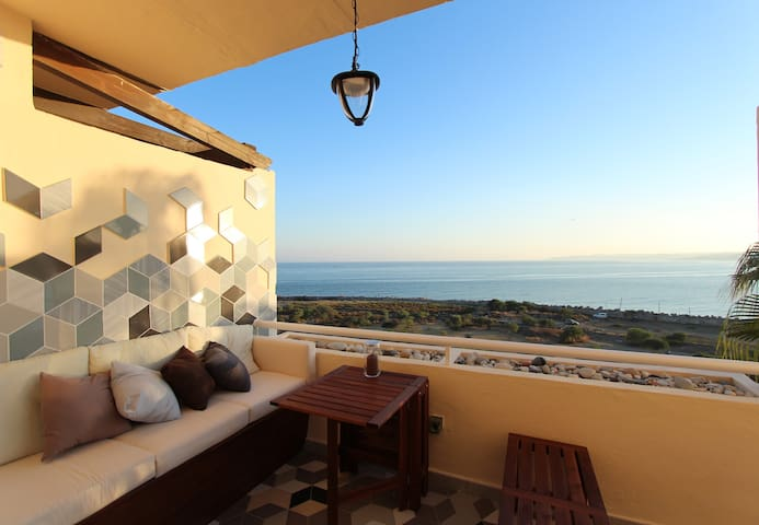 Paz del Mar: Beachside flat with panoramic views