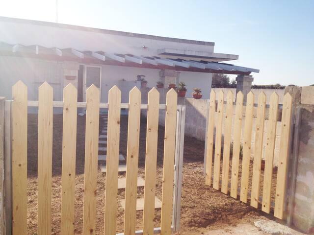Salento, 3 Minivillette fronte mare, zona privata - Casalabate - Villa