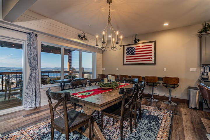 Gorgeous Table Rock Lakeviews in Chateau Cove!! 9' Shuffleboard & firepit