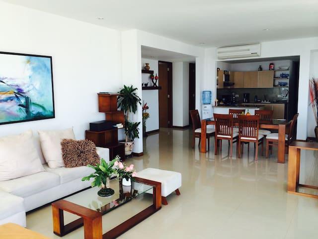 Beatiful 3 bedroom apartment in Bocagrande.