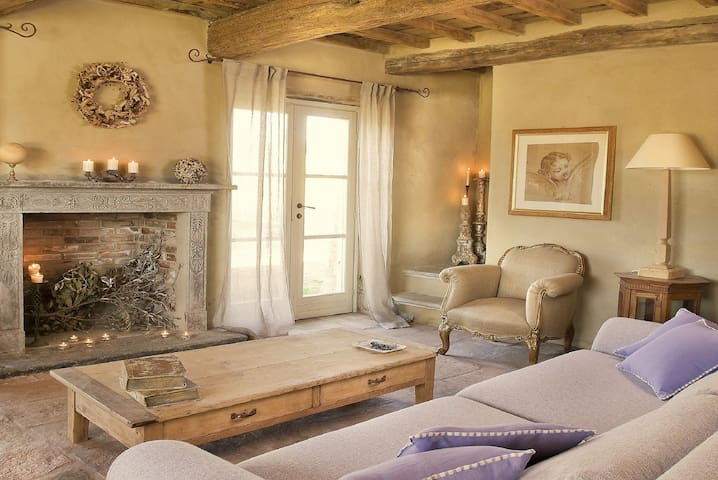 Poggiodoro, your charming villa in Tuscany - Anghiari - House