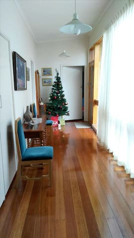 Clean and tidy, feel at home - Bulleen - Villa