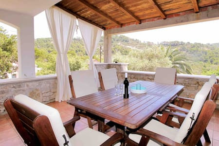 Fisherman house for 2 in NP Mljet