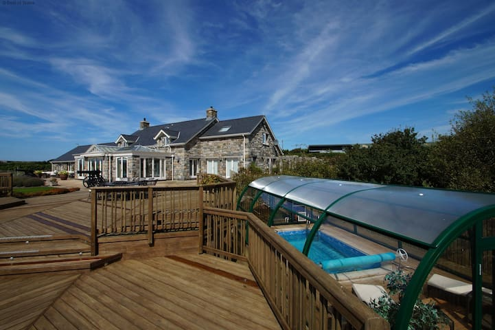 Luxury North Wales with Swimming Pool - Aberdaron - House